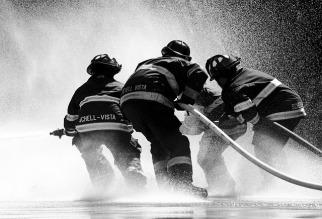 firefighter-1851945_640